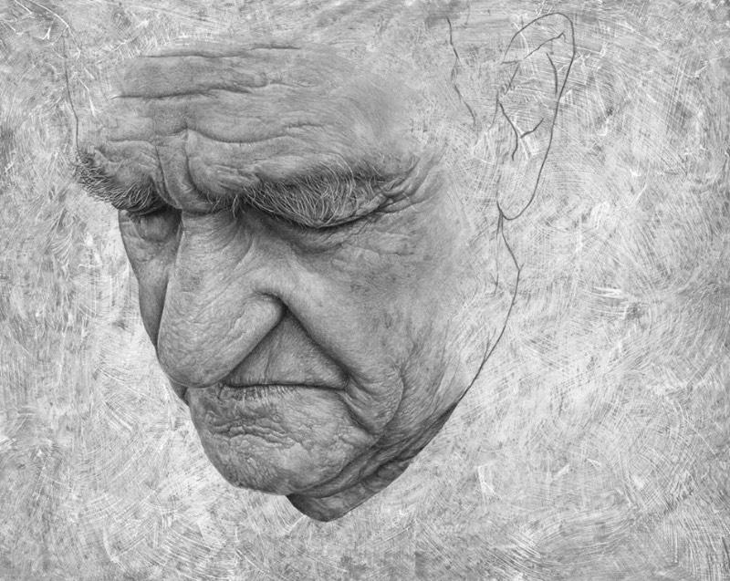 Existe uma qualidade emocional nos retratos criados por Steve Caldwell. Suas obras são feitas com uma atenção especial nos detalhes, com modelos que muitas vezes posam em ângulos inesperados. Algumas vezes, eles olham para baixo ou de perfil e passam uma expressão diferente. Mas o que mais me chamou a atenção aqui é seu olhar para detalhes que acaba superando os retratos e criando algo quase sublime.