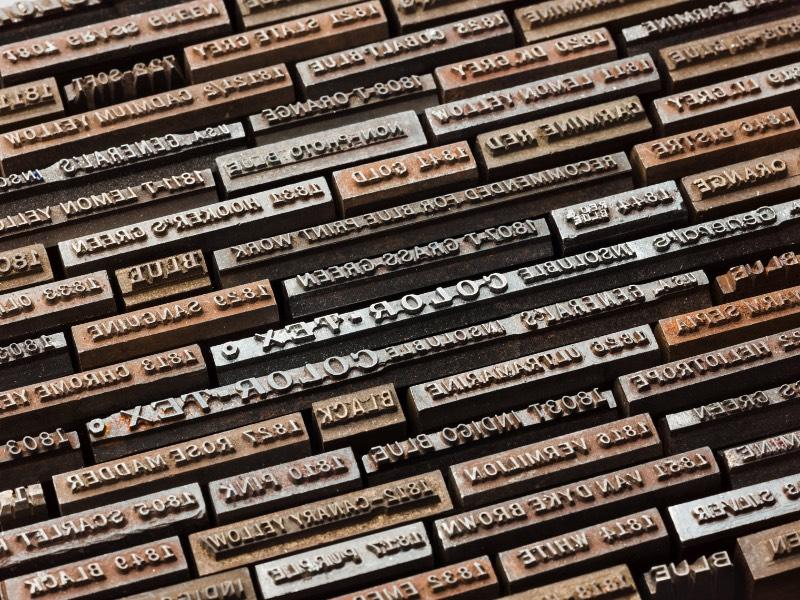 Desde 1889 que a General Pencil Company vem combinando cera com tinta, madeira e grafite para criar um lápis que pode ser útil para aqueles que querem escrever e desenhar. E foi isso que o fotógrafo Christopher Payne resolveu documentar em uma série de images que tem levam para perto de uma das poucas fábricas de lápis que ainda existem nos Estados Unidos.