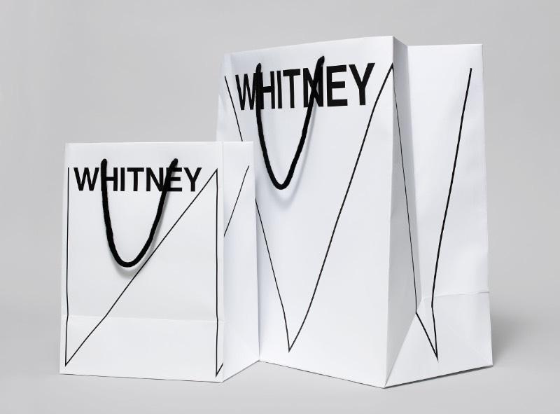 O Whitney Museum tem uma nova identidade visual: um W com um visual dinâmico que responde às obras de arte e às palavras em torno dela. Desenvolvido pelo pessoal da Experimental Jetset, a nova identidade gráfica abraça o espírito inventivo do Museu e sinaliza outras mudanças em andamento à medida que o Whitney se prepara para se mudar para seu novo prédio em 2015.
