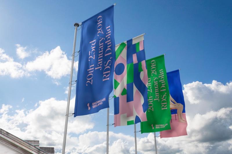 Existe um tipo de suéter conhecido como Aran que recebe seu nome de uma série de ilhas na Costa da Irlanda. Esse é um dos objetos mais icônicos da Irlanda e acabou se tornando o centro de todo design do Showcase 2019, o maior evento de design e artesanato da Irlanda.