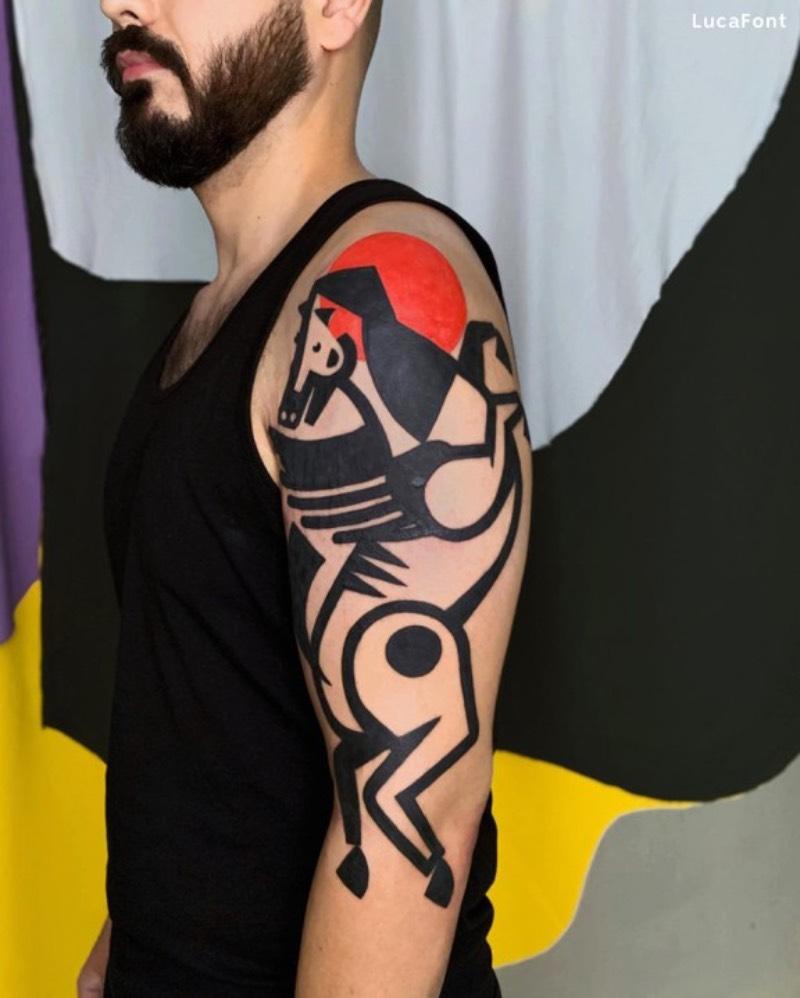 Já tem mais de duas décadas que eu passo meus dias paquerando tatuagens, seja isso na internet ou no mundo real. E, algumas vezes, eu me deparo com o trabalho de um tatuador que eu desconhecia e fico realmente surpreso com seu trabalho. A descoberta dessa semana foi o italiano conhecido como Luca Font.