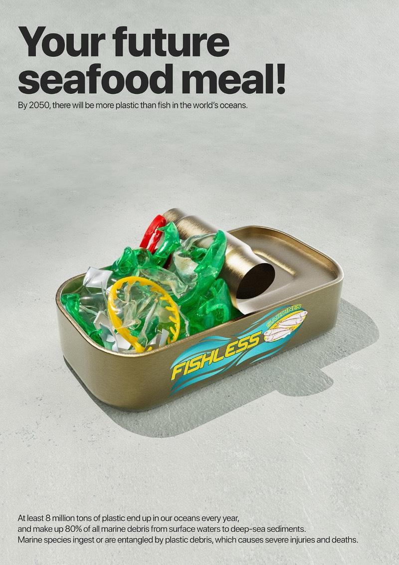 Sua futura refeição de frutos do mar já que, pelo menos, oito milhões de toneladas de plástico acabam sendo despejadas nos nossos oceanos todos os anos. Hoje em dia, mais de 80% dos detritos marinhos são de plástico e eles estão em todos os lugares: dos sedimentos do fundo do mar até as águas mais superficiais. As espécies marinha acabam ingerindo todo esse plástico ou acabam se emaranhando nos detritos, causando sua morte.